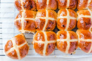 Easter Bun Crosses (Using Pettina Scone Mix)